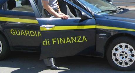 GUARDIA- DI -FINANZA -MONDRAGONE