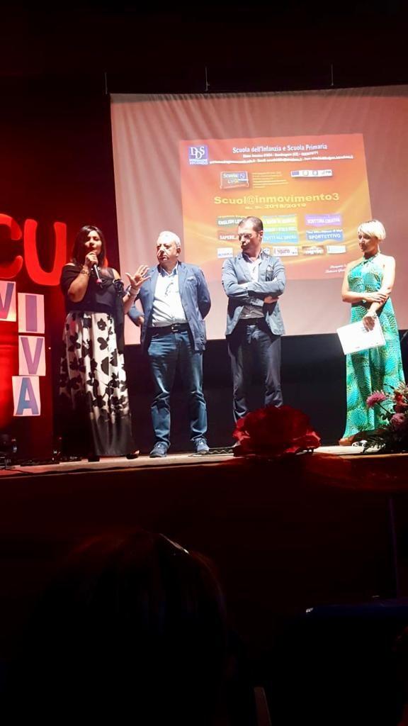 foto-1-luglio-preside-Di-Lorenzo-con-sindaco-576x1024 MONDRAGONE - Scuola Viva: grande successo al Teatro Ariston per gli eventi conclusivi